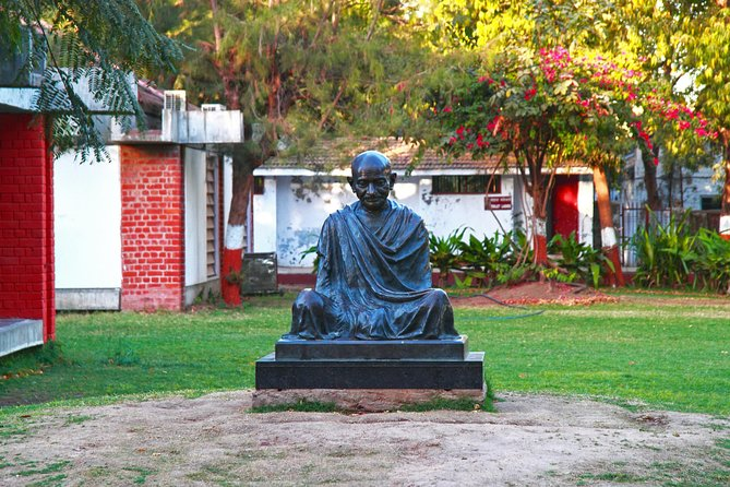 The Wonders of Old Ahmedabad and Sabarmati: A Full Day Tour