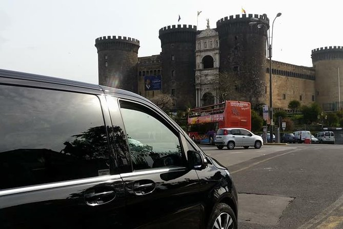 Private transfer from Positano to Naples with stop up to 3 hours in Pompeii