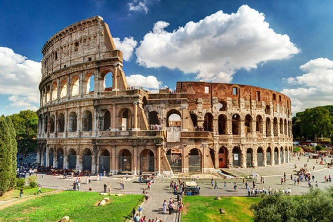 Fast track: Colosseum Arena floor , Roman Forum, Navona & Pantheon guided tour