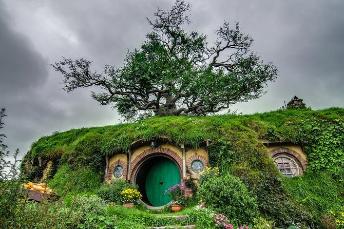Waitomo and Hobbiton Movie Set Day Tour
