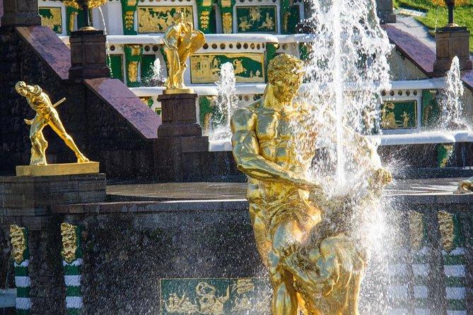 Tour grupal al Gran Palacio Peterhof