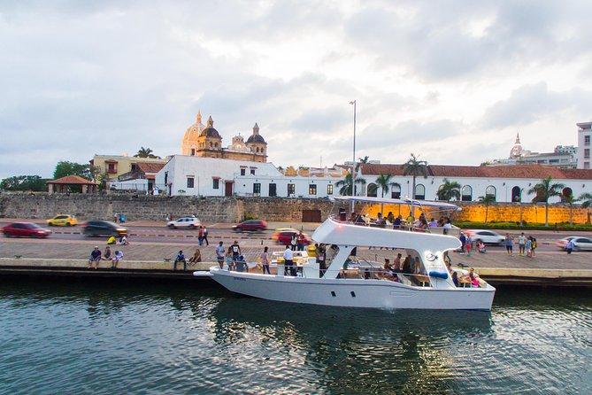Round-Trip Sunset tour in Cartagena's Bay