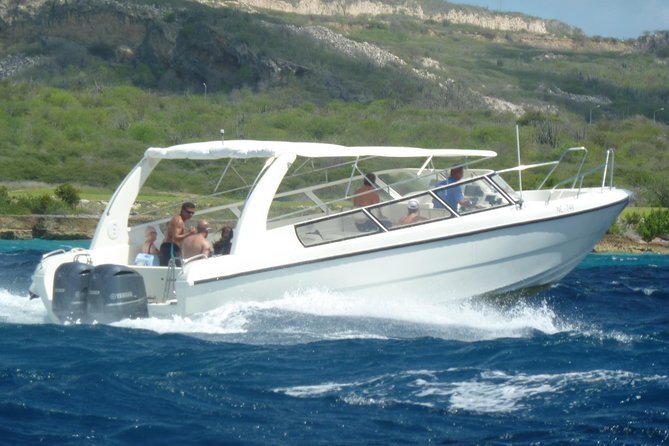 38 feet speedboat