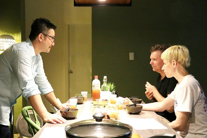 Taiwanese Cooking Class and Market Tour in Taipei