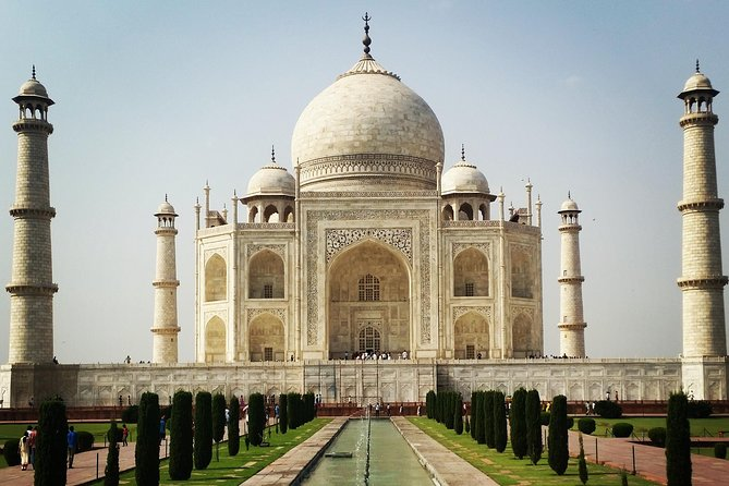 Private Overnight Agra Tour with Mathura or Fatehpur Sikri