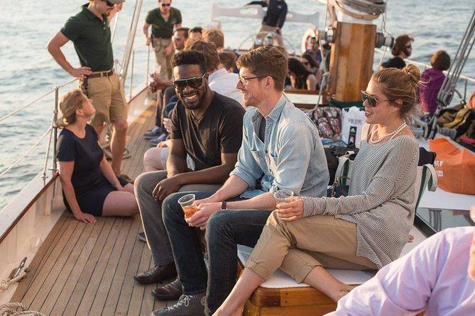 New York City Sailboat Day Cruise naar het Vrijheidsbeeld
