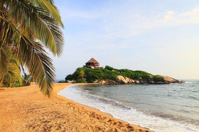 Viagem diurna para Crystal Beach e Parque Nacional de Tayrona saindo de Santa Marta