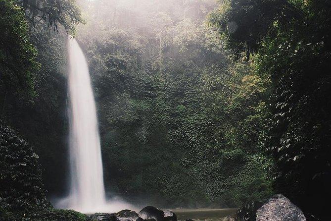 Hidden Nung-Nung Waterfall and Tanah Lot sunset Tour
