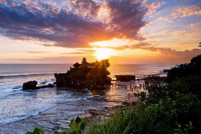 Half Day Inclusive Tour: Taman Ayun Temple and Tanah Lot Sunset.