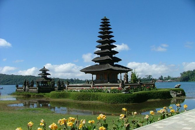 Taman ayun temple,Beratan lake and Tanah lot sunset tour