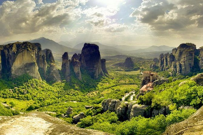 Delphi & Meteora 2 Days Private Tour