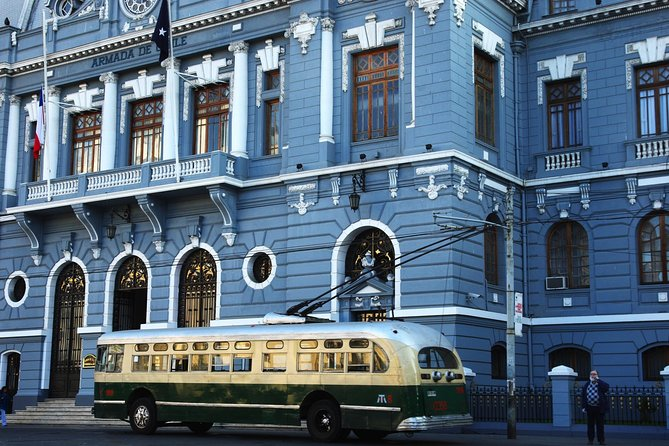 Valparaiso Walking Tour Including Funiculars and Trolley Bus Rides