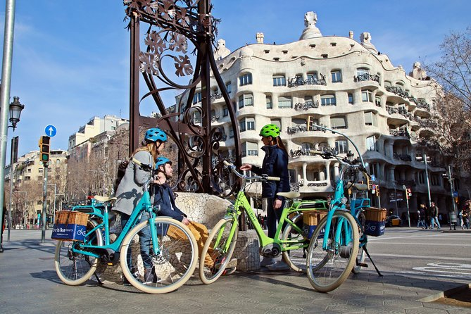Gaudi E-Bike Tour Barcelona