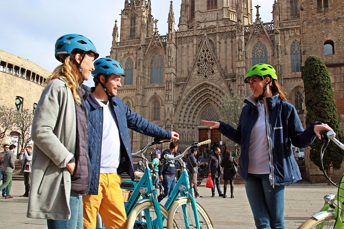 Historical E-bike Tour in Barcelona