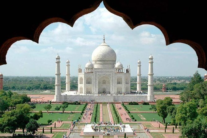 Private Day Trip Taj Mahal at Sunrise With Agra Fort From Delhi By AC Car