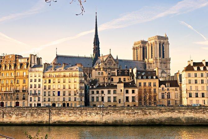 Paris City Center & Skip-the-Line Louvre Museum Combo Tour - Private Tour