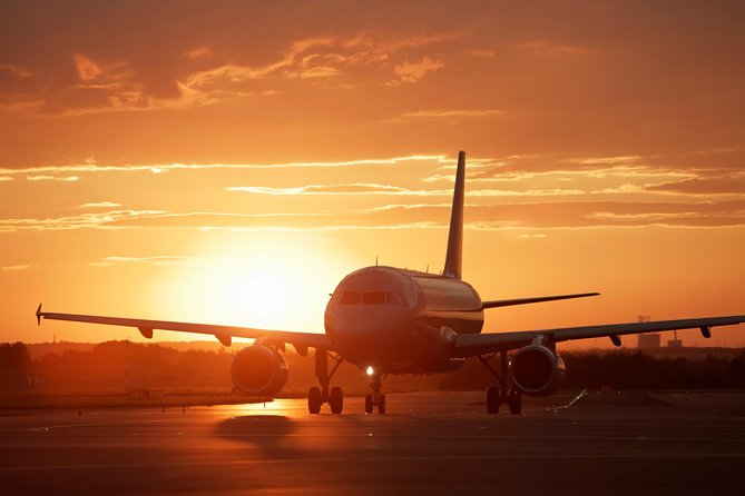 Shared Arrival Transfer: Santorini Airport to Hotel or Cruise Port