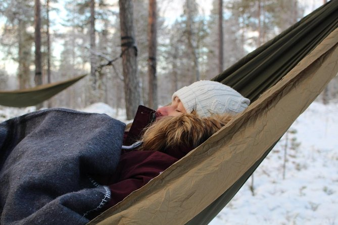 Cocooning in the HaliPuu forest: The ultimate Arctic hammock relaxation