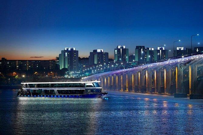 Han River Evening Cruise and Gwangjang Night Market Tour