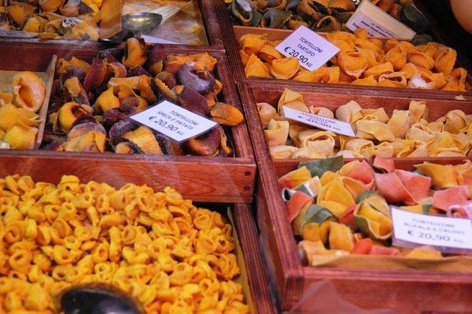 Recorrido gastronómico a pie por Bolonia para grupos pequeños
