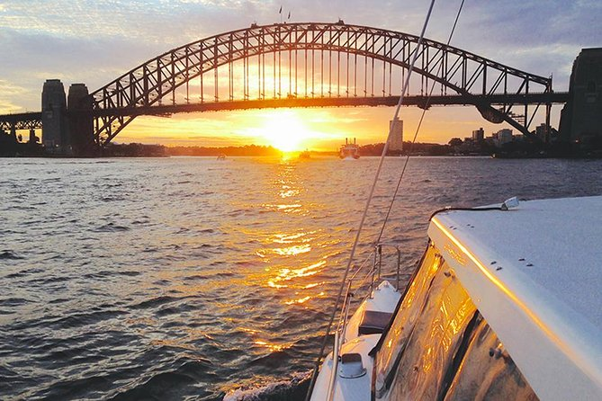 Pôr do sol e faísca Sydney Harbour Cruise
