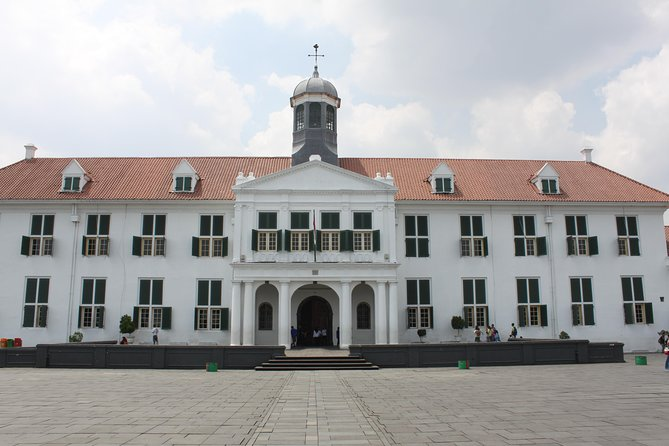 A Walk In Batavia (oldtown Jakarta Walking Tour)