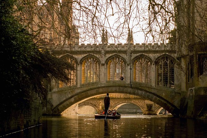 Shared Punting Tour in Cambridge