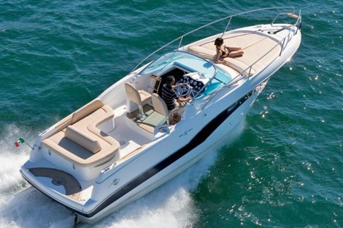 Private Transfer: Naples Port to Sorrento or Amalfi Coast by Speedboat