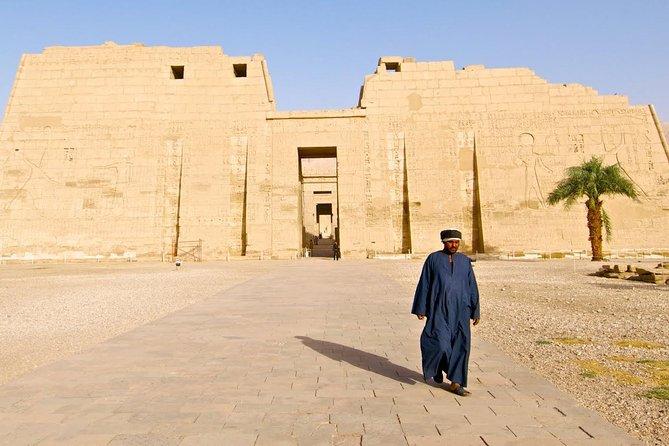 Visitando o templo de Medinat habu, túmulos dos nobres e túmulos de artesãos