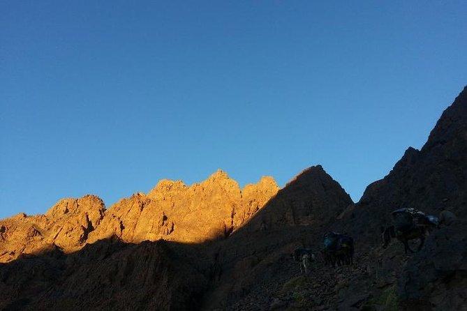 Trek in mountain volcanic