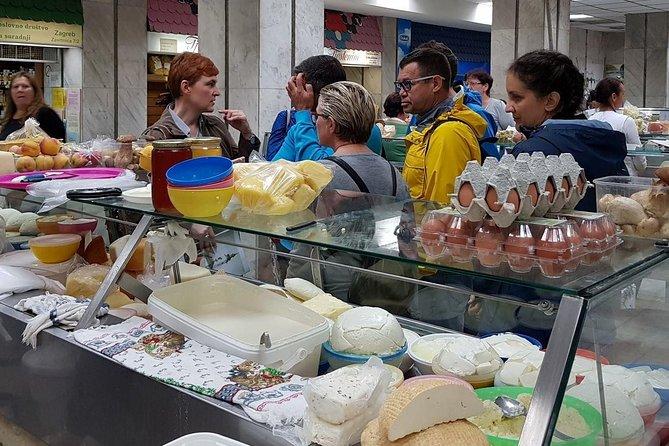 Recorrido gastronómico a pie por Zagreb - Visitas turísticas - Visita al mercado de Dolac