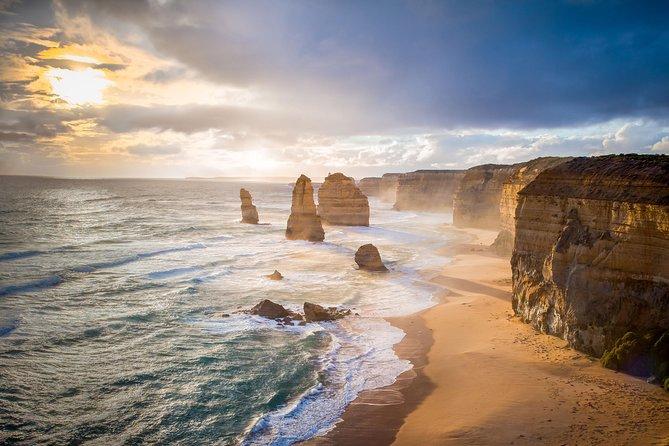 Great Ocean Road & Twelve Apostles with Lunch