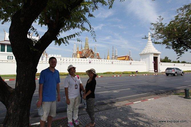 Walk passed the Grand Palace