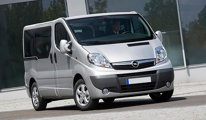 PRIVATE transfer from hotel to BARI AIRPORT