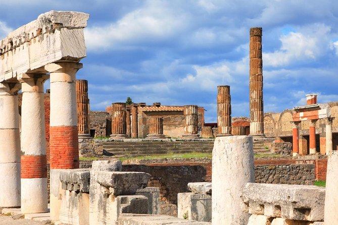 Private Tour : Pompeii and Herculaneum