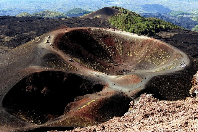 Mount Etna 2.000 meters ( Half-Day Tour from Taormina)
