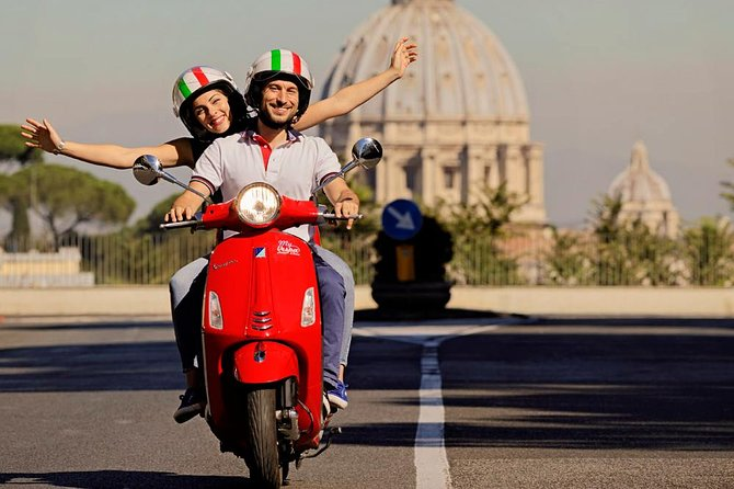 Vespa Panoramic Tour in Rome