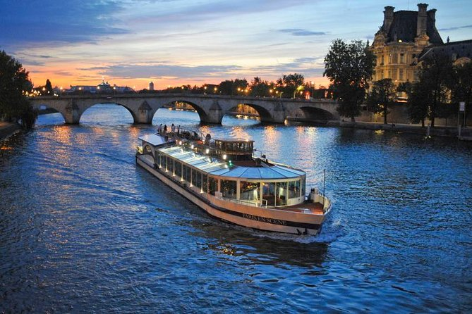 Seine River Bistro-Style Dinner & Sightseeing Cruise on board Paris en Scene