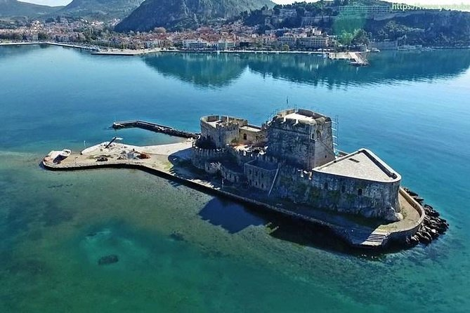 Indulge to the beauty of Greece with the 4 days Classical Greece private tour