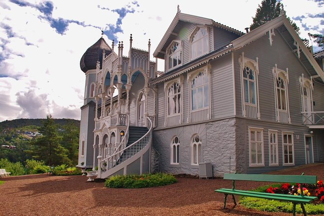 PRIVATE TOUR: The Island of Light - tour from Bergen to Lysoen, 4 hours