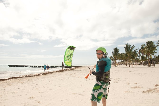 Clases personalizadas de kitesurf con Bavaro Kite School Punta Cana