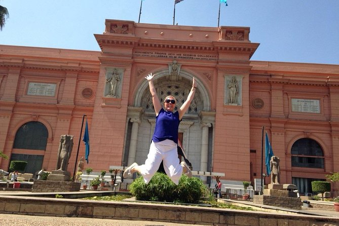Private Layover Day Tour from Cairo to of Pyramids of Giza and Egyptian Museum