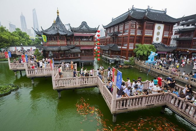 Private 2-Day Shanghai Package Tour Including Lunch