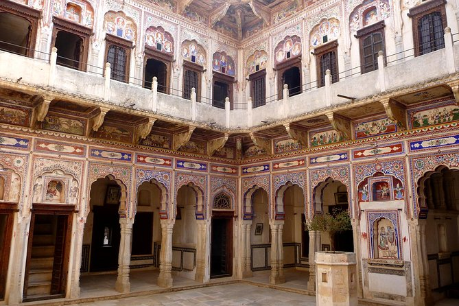 Shekhawati tour manadawa, navalgarh etc for solo travellers