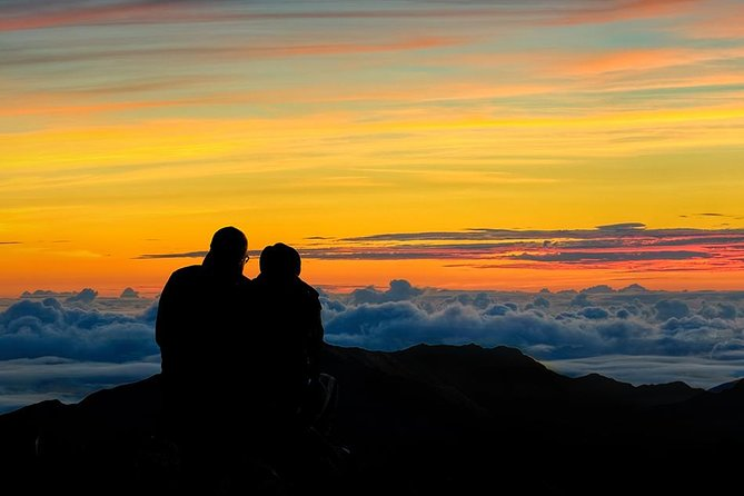 Haleakala Sunrise Tour with Breakfast and Pickup