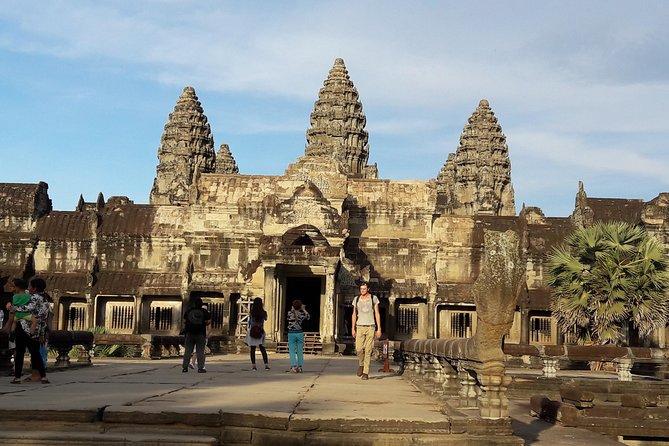 Angkor Motorbike Tour