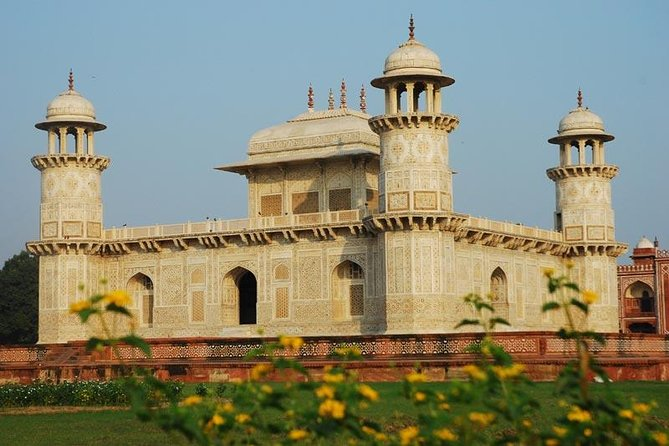 Day Trip Taj Mahal at Sunrise with Agra Fort & Itimad-ud-Daulah from Delhi by AC Vehicle