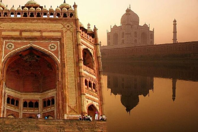 Private Taj Mahal Guided Tour with Agra Fort & Fatehpur Sikri From Delhi