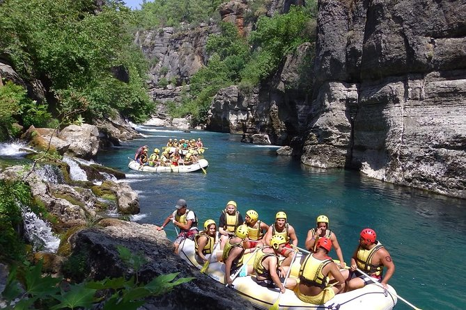 canyoning by white water