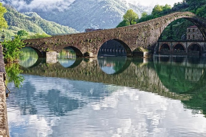 Garfagnana and Barga half day tour by Minivan from Lucca